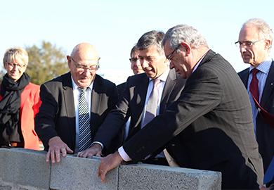 Pose de la première pierre VENDÉE TRI