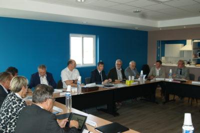Présidents et vice-présidents au cours d'un bureau décentralisé à Bouin en juin 2016